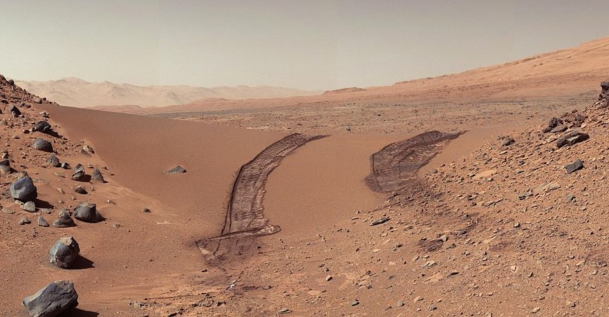 The Martian surface captured by the Curiosity Rover (Credit: NASA/JPL)