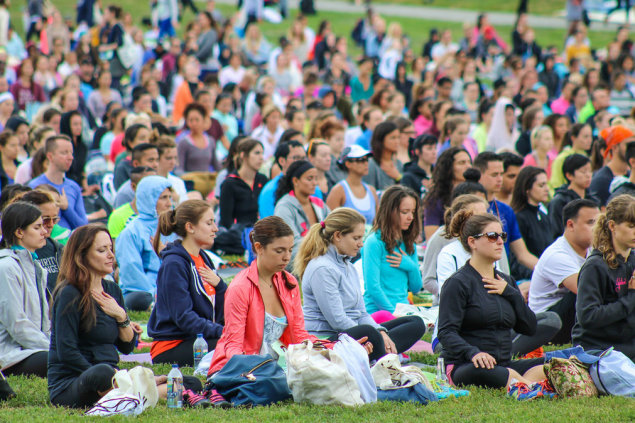 It also features a guided meditation session. (Photo: Flickr/The Wanderlust Festival)