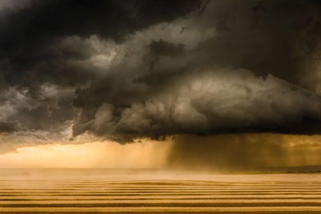 Eric Meola, Tornadic Supercell, Wheatland, Wyoming, 2013. (Photo: Courtesy Bernarducci Meisel Gallery)
