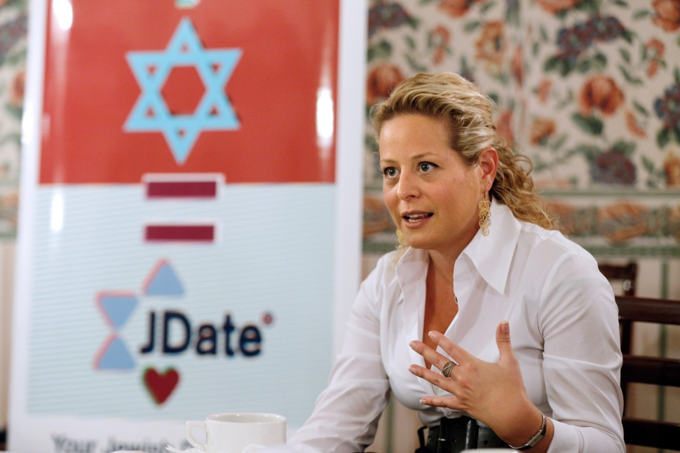 Daniella Perlstein, Vice-President of the Sparknetworks company, owner of the Jewish singles community online Jdate.com, speaks on October 28, 2013 in Paris, during a press conference as part of the launch of an advertising campaign in France. AFP PHOTO / FRANCOIS GUILLOT