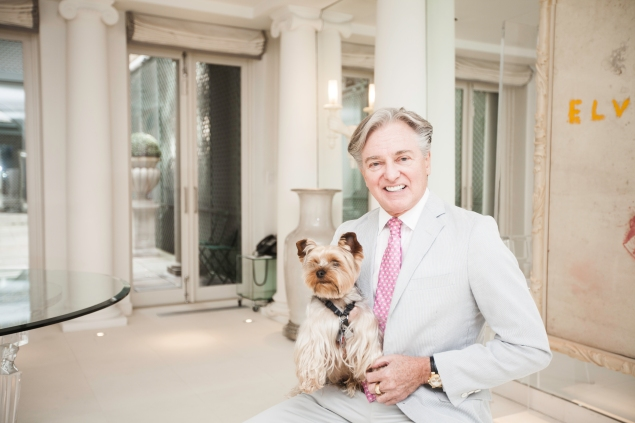 Interior designer Geoffrey Bradfield at his former townhouse at 116 East 61st Street. (Emily Assiran for Observer)