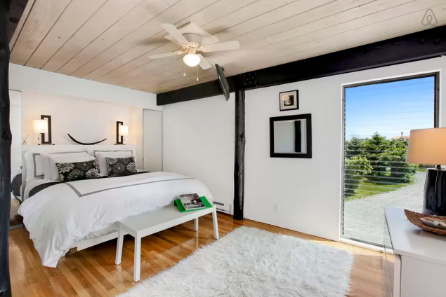 One of four bedrooms. (Photo: Airbnb)