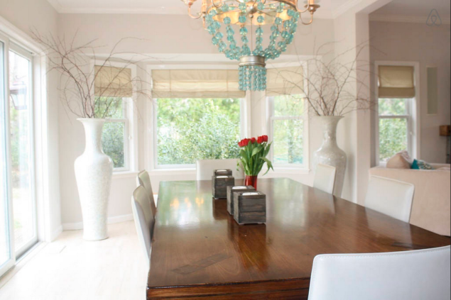 The dining room. (Photo: Airbnb)