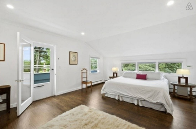 A spacious bedroom. Photo: Airbnb)