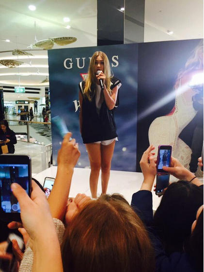 Ms. Hadid at the Westfield Miranda shopping center. (Photo: Twitter/@oahesis)