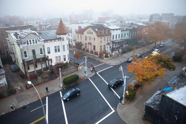 City fog. Chris Ford/flickr.