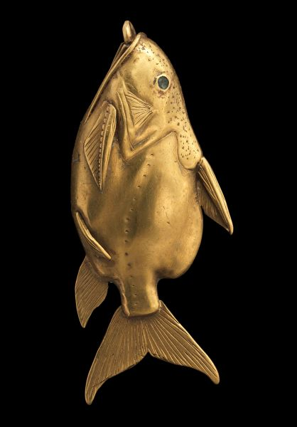 A gold fish pendant, gold. (Photo: courtesy of National Museums Scotland)
