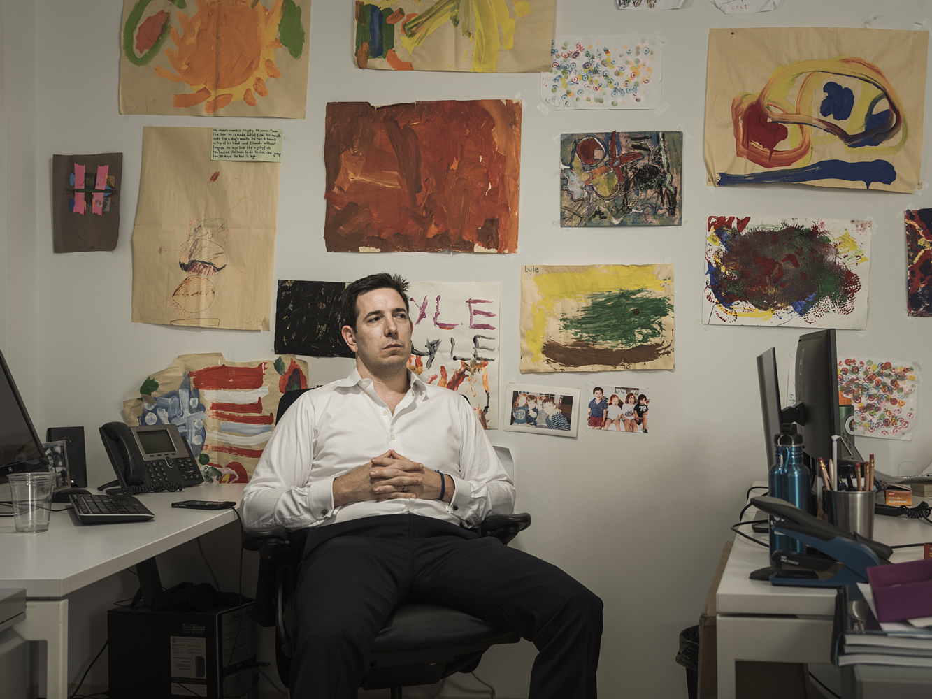 Bradley Tusk at his desk. (Sasha Maslov For Observer)