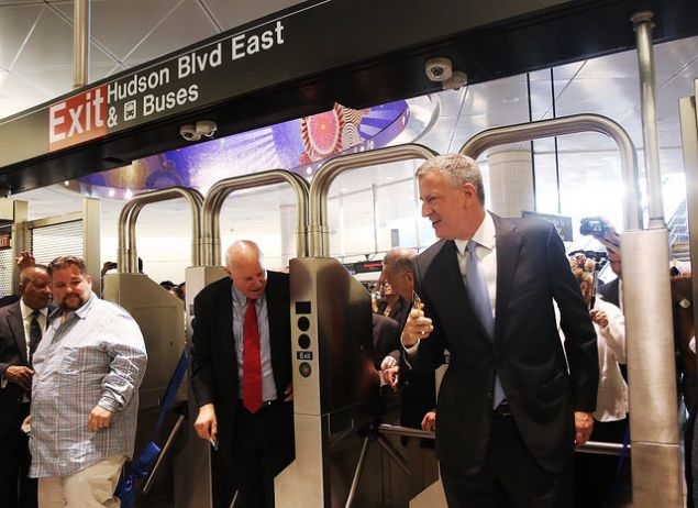 Mayor Bill de Blasio with MTA Chairman Thomas Prendergast inside the new 34th Street-Hudson Yards subway station. (Photo: William Alatriste/NYC Council)