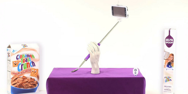 The Cinnamon Toast Crunch Selfie Spoon. (Photo: Twitter)