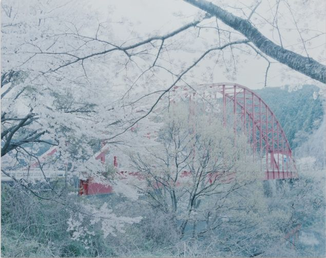 Ori Gersht, Against the Tide: 100 Bridges, 2010. (Photo: Kohn Gallery)