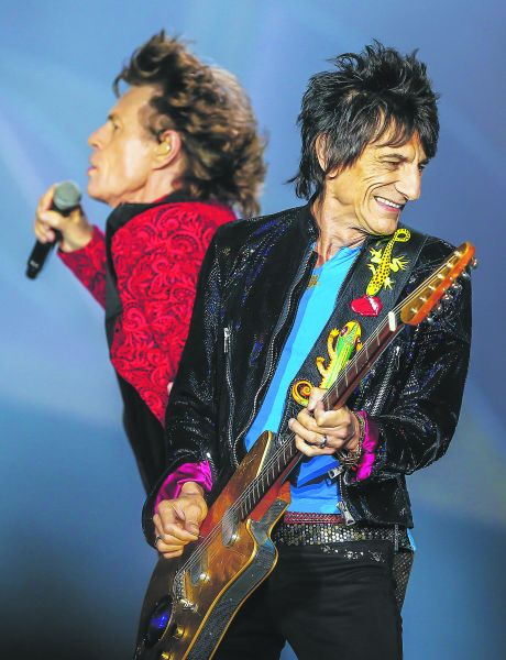 Ronnie Wood and Mick Jagger (Photo: Michael Hickey/Getty Images).