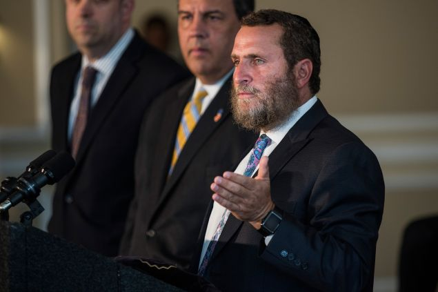 NEW BRUNSWICK, NJ - AUGUST 25: Rabbi Shmuley Boteach introduces New Jersey Governor and Republican presidential hopeful Chris Christie at Chabad House at Rutgers University, where both men expressed their opposition to President Obama's Iran deal on August 25, 2015 in New Brunswick, New Jersey. Christie and Boteach also also encouraged U.S. Senator Cory Booker (D-NJ) to oppose the deal. (Photo by Andrew Burton/Getty Images)