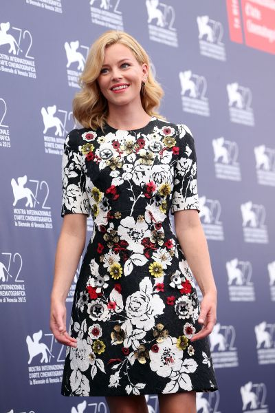 VENICE, ITALY - SEPTEMBER 02: Elizabeth Banks attends the Jury Photocall during the 72nd Venice Film Festival on September 2, 2015 in Venice, Italy. (Photo by Franco Origlia/Getty Images)