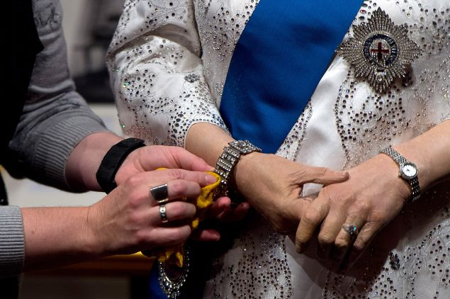 The same goes for the rest of her jewelry. (Photo: Ben Pruchnie/Getty Images)