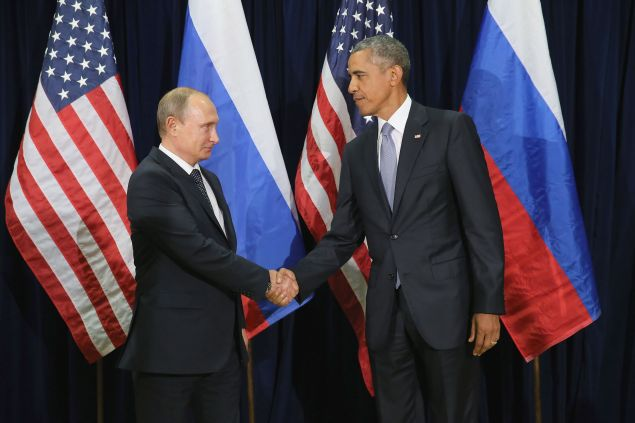 NEW YORK, NY - SEPTEMBER 28: Russian President Vladimir Putin (L) and U.S. President Barack Obama shake hands for the cameras before the start of a bilateral meeting at the United Nations headquarters (Photo by Chip Somodevilla/Getty Images)