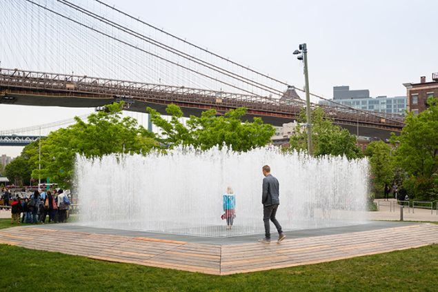 Jeppe Hein, Appearing Rooms, 2004 (Photo: James Ewing, Courtesy Public Art Fund)