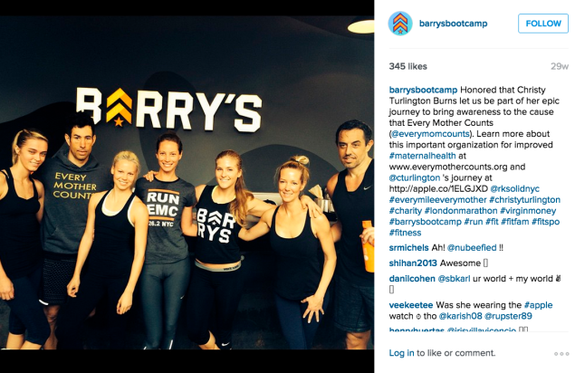 Christy Turlington and the Barry's Boot Camp team. (Photo: Instagram/Barry's Boot Camp)