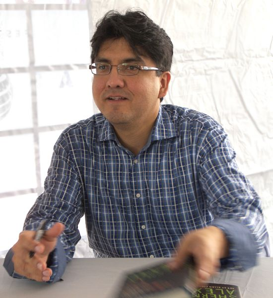 Sherman Alexie, editor of the 'Best American Poetry 2015' anthology, went on the defensive after it was revealed that a white author with an Asian pen name was published in the collection. (Photo: Wikimedia Commons)
