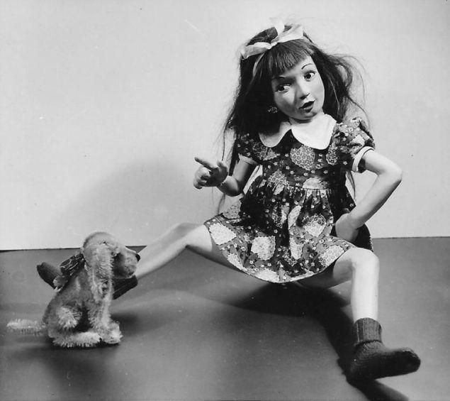 Morton Bartlett, Untitled (Girl Wagging Finger at Dog), c. 1955. (Photo: Courtesy Julie Saul Gallery)