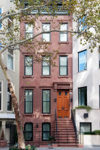 The townhouse at 314 East 69th Street had previously been owned by a doctor, who used the bottom floor as his office. (Juris Mardwig)