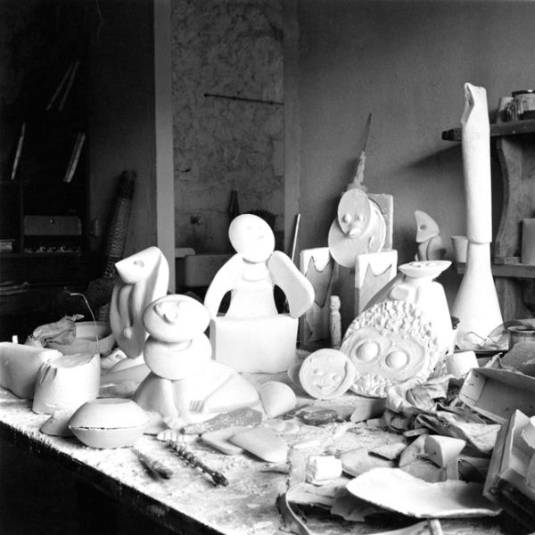 Max Ernst's studio at Huismes, 1961. (Photo: Courtesy Jürgen Pech Archive and Paul Kasmin Gallery)