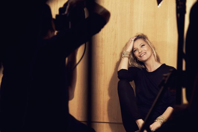 A behind-the-scenes shot of Kate Moss for the David Yurman holiday campaign. (Photo courtesy of David Yurman)
