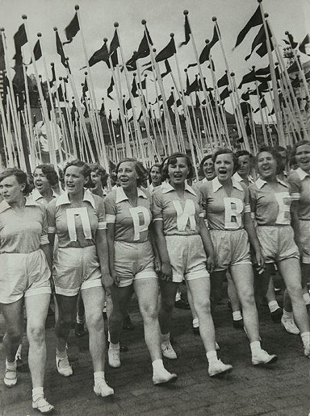 Alexander Rodchenko's Gelatin silver print Sports Parade on Red Square, 1936. (Photo: Courtesy of Sepherot Foundation, Vaduz, Liechtenstein and the Jewish Museum)