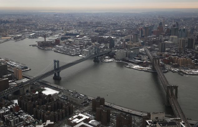 The Brooklyn and Manhattan Bridges would have tolls under Move NY. (Photo by John Moore for Getty Images)