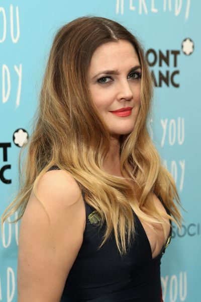 A close up of Ms. Barrymore's beauty look (Photo: Getty Images).
