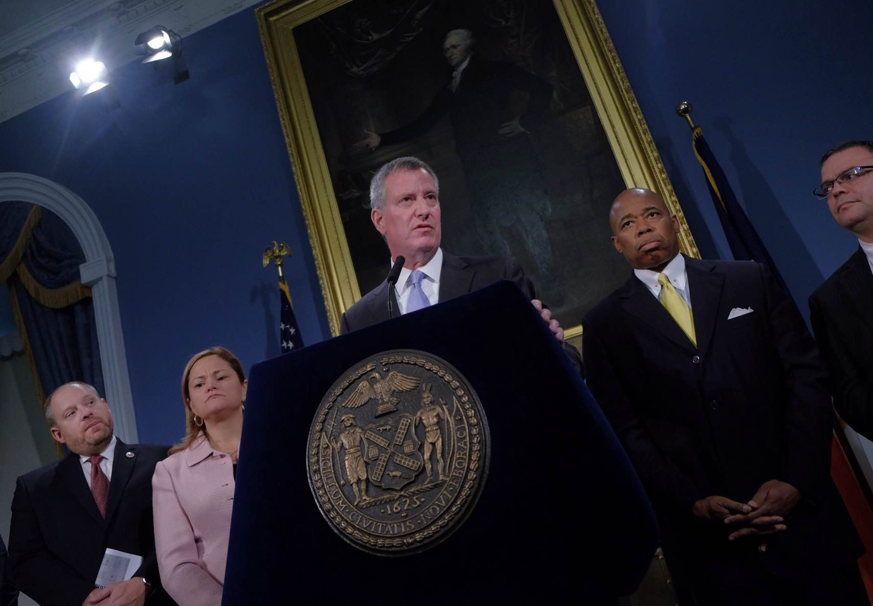Mayor Bill de Blasio discusses proposed changes to bail at a City Hall press conference today. (Photo: William Alatriste/New York City Council)