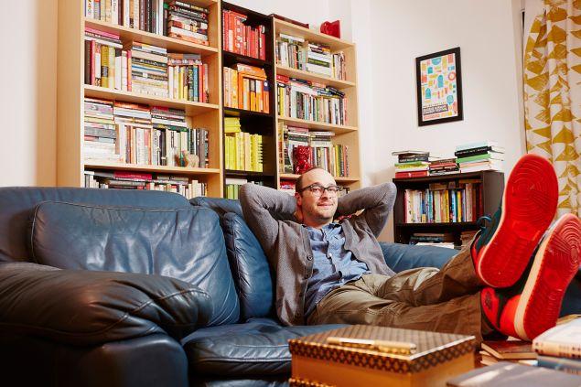 Josh Gondelman, Seinfeld aficionado. (Photos: Yvonne Albinowski for Observer)