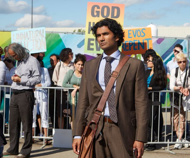 """HEROES REBORN -- """"June 13th - Part One"""" Episode 107 -- Pictured: Sendhil Ramamurthy as Mohinder Suresh -- (Photo by: Sophie Giraud/NBC)"""