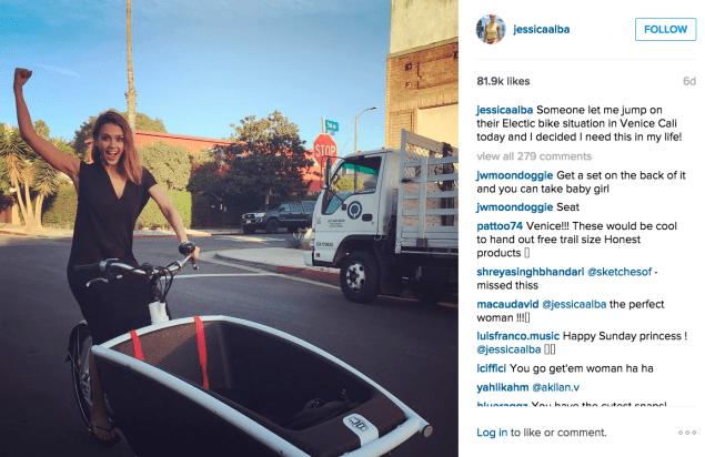 Jessica Alba hopped on a bike. (Photo: Instagram/Jessica Alba)