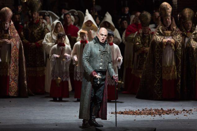Tosca. (Photo: Marty Sohl/Metropolitan Opera)