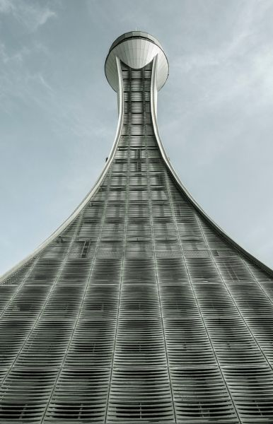 A crescent-shaped tower at the Abu Dhabi International Airport.