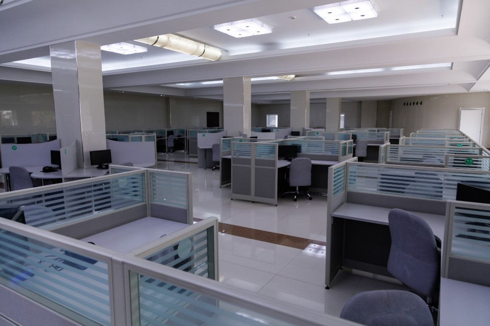 A completely empty computer room at the Hana Electronics factory
