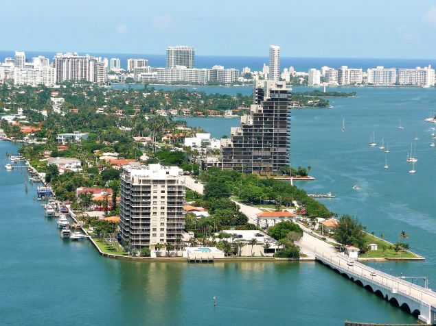 Miami Venetian Islands and connection Venetian Causeway. (Photo: Wikimedia Commons)