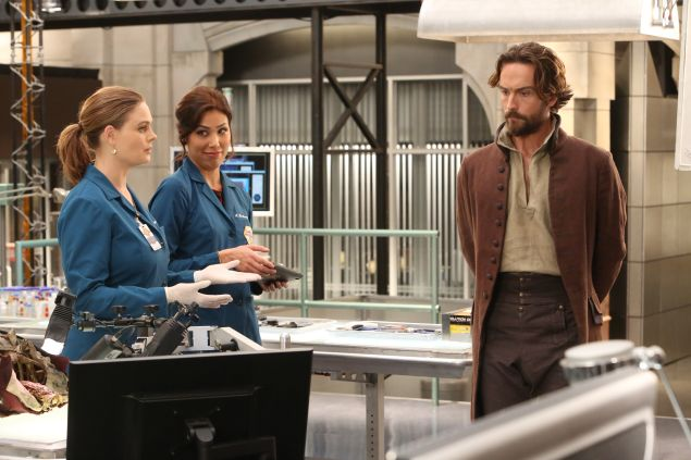 """BONES: L-R: Emily Deschanel, Michaela Conlin and guest star Tim Mison in the special """"The Resurrection in the Remains"""" BONES/SLEEPY HOLLOW crossover episode of BONES airing Thursday, Oct. 29 (8:00-9:00 PM ET/PT) on FOX. ©2015 Fox Broadcasting Co. Cr: Patrick McElhenney/FOX"""