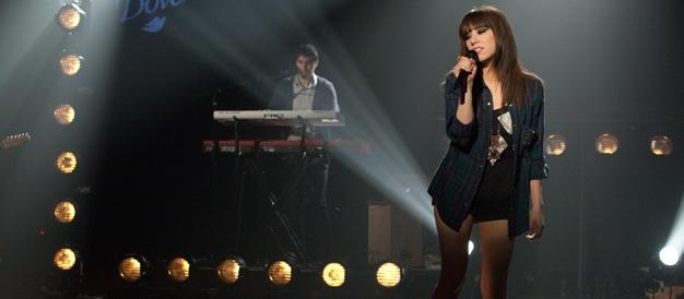 Carly_Rae_Jepsen_performs_at_Walmart_Soundcheck_October_2012