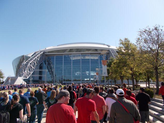 The Dallas Cowboys' AT&T Stadium in Arlington, Texas. (Photo: Wikimedia Commons)