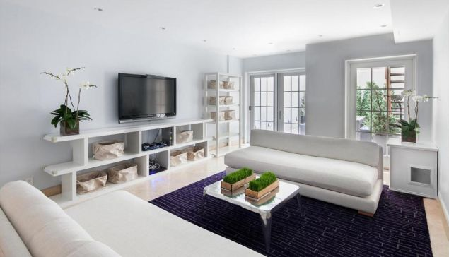 A 16-foot townhouse seems pretty nice, but who are we to judge? (Douglas Elliman)