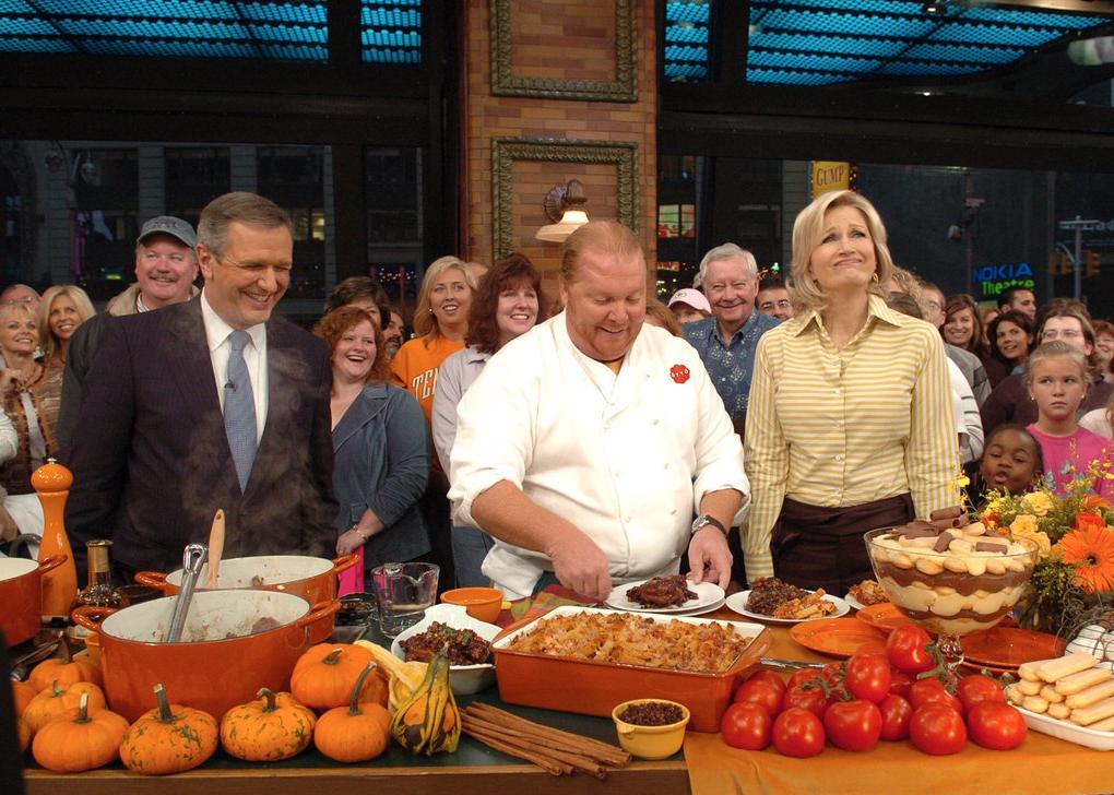 Chef Mario Batali (center) with Diane Sawyer and Charlie Gibson. (Photo: Twitter)