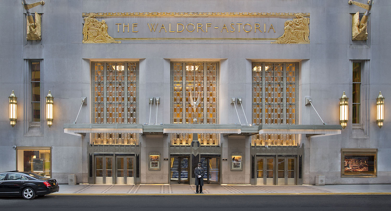 The Waldorf Astoria, view from Park avenue.