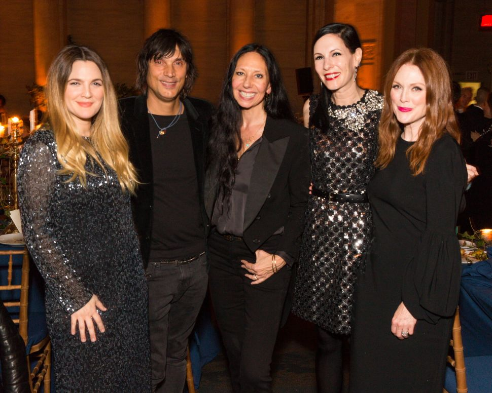 Julianne Moore, Jill Kargman, Inez van Lamsweerde, Vinoodh Matadin, Drew Barrymore (Photo: Ben Lozovsky for BFA).