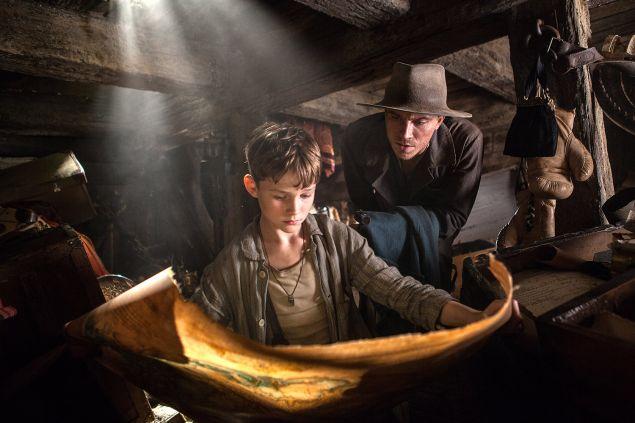 Levi Miller and Garrett Hedlund in Pan.