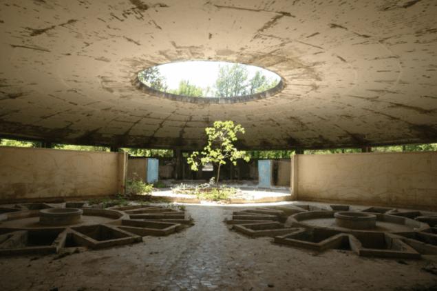 Gio Sumbadze, Soviet period bath building, Tskaltubo, 2015. (Photo: Courtesy of the artist)