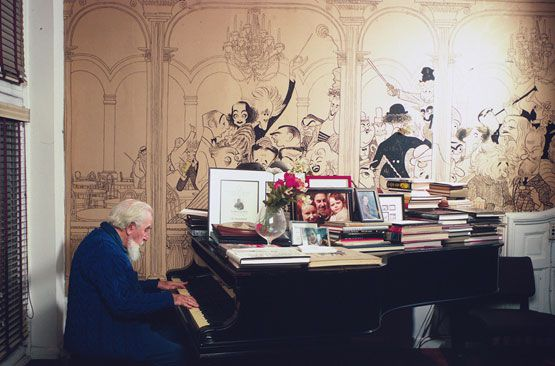 Al Hirschfeld in his living room at 122 East 95th Street, photographed by Jill Krementz on December 4th, 1971. The house, with the pictured mural still intact, has gone into contract. (Photo: © Jill Krementz)