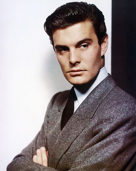 Louis Jourdan. (Photo by Silver Screen Collection/Getty Images)