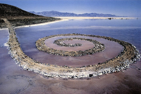 Robert Smithson, Spiral Jetty, 1970. Photo: Dia Art Foundation
